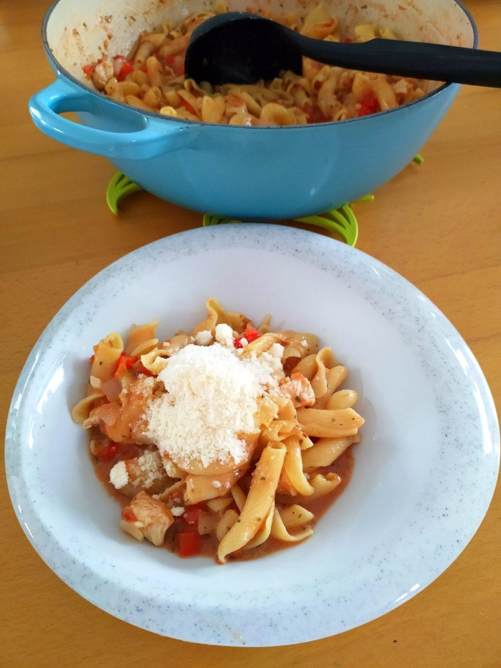 One Pot Pasta mit Hühnchen