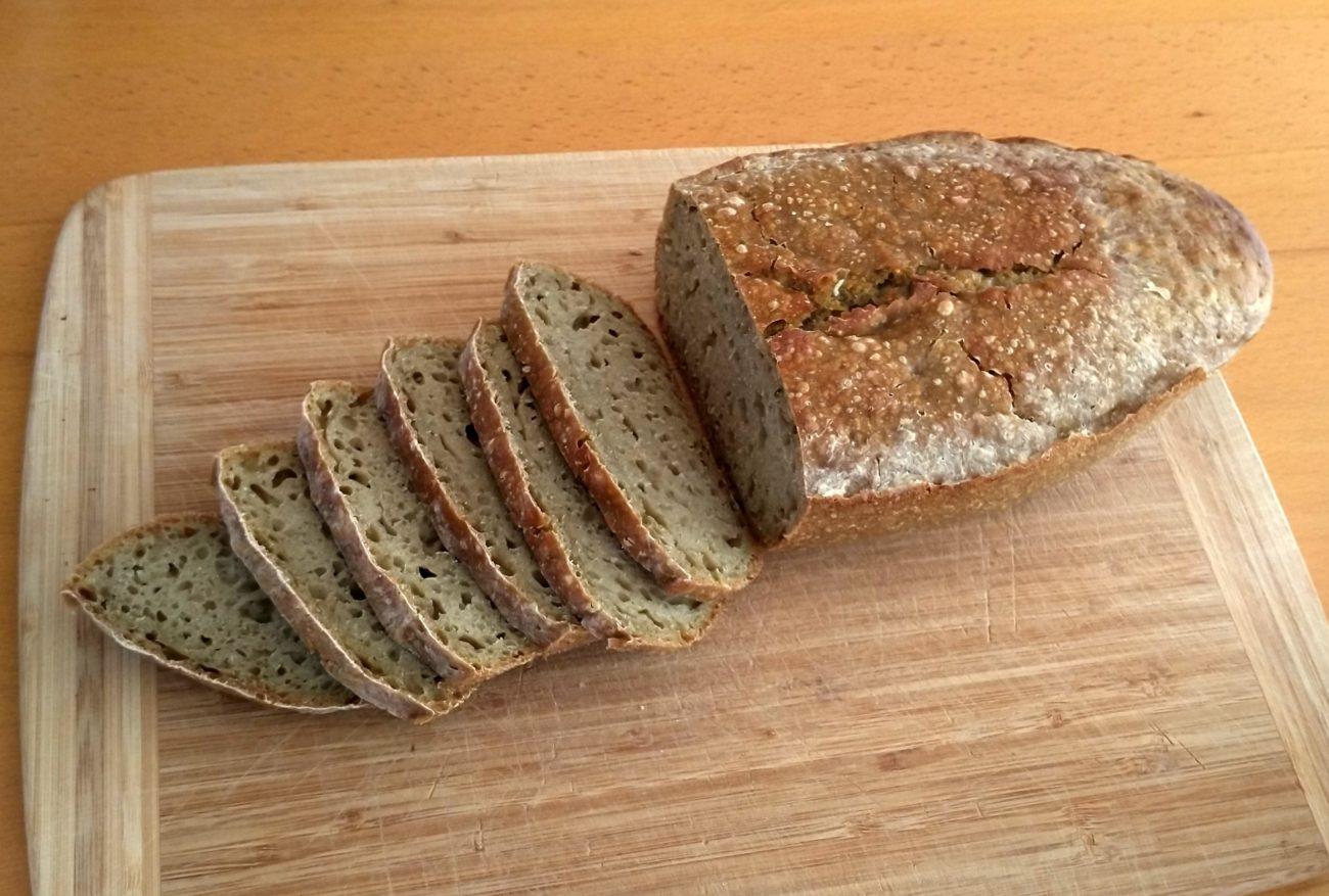 Dinkel-Rosinagewürz-Brot