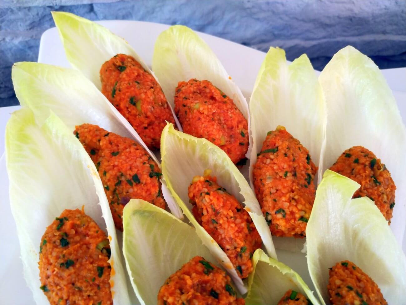 Mercimek Köfte – vegetarische türkische Linsen-Frikadellen