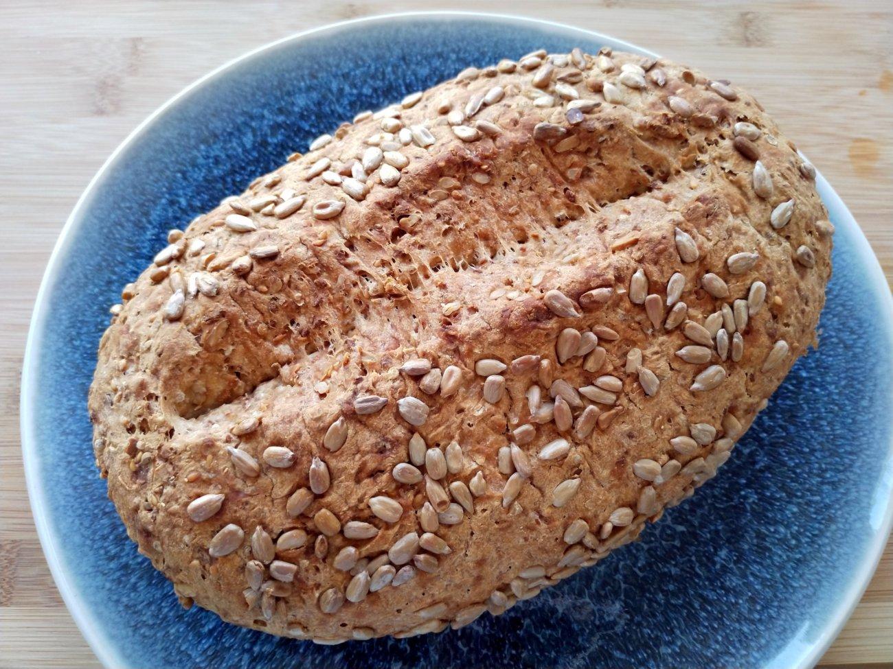 Brenztäler Brot mit Sesam und Sonnenblumenkernen