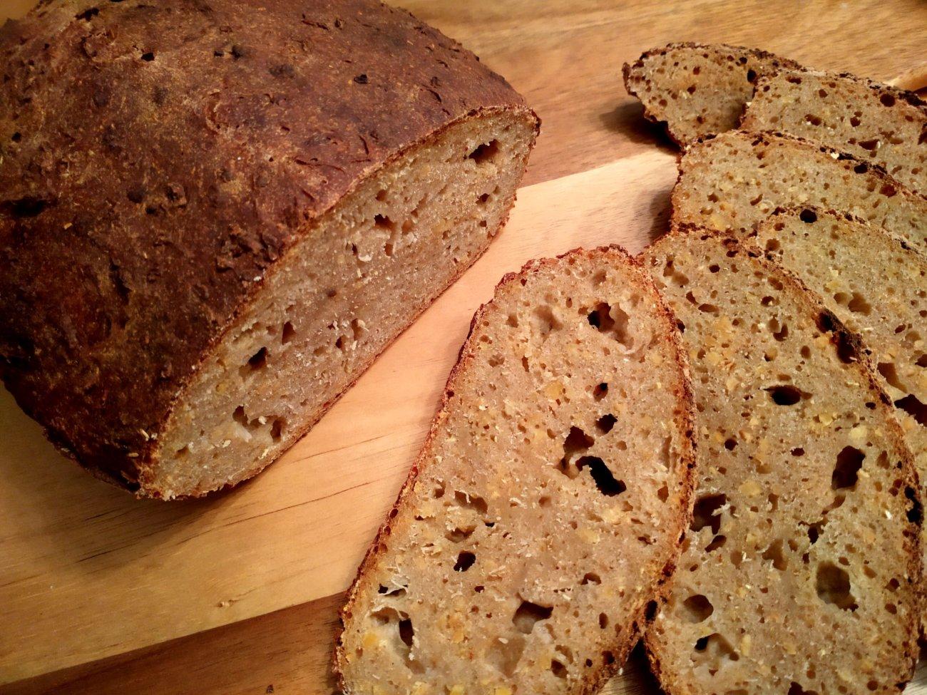 Emmer-Dinkelruch-Brot mit Trockensauerteig